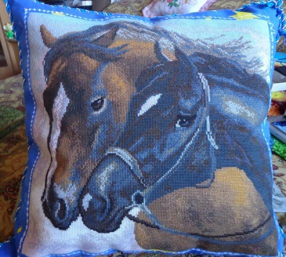 подушка, вышивка крестиком